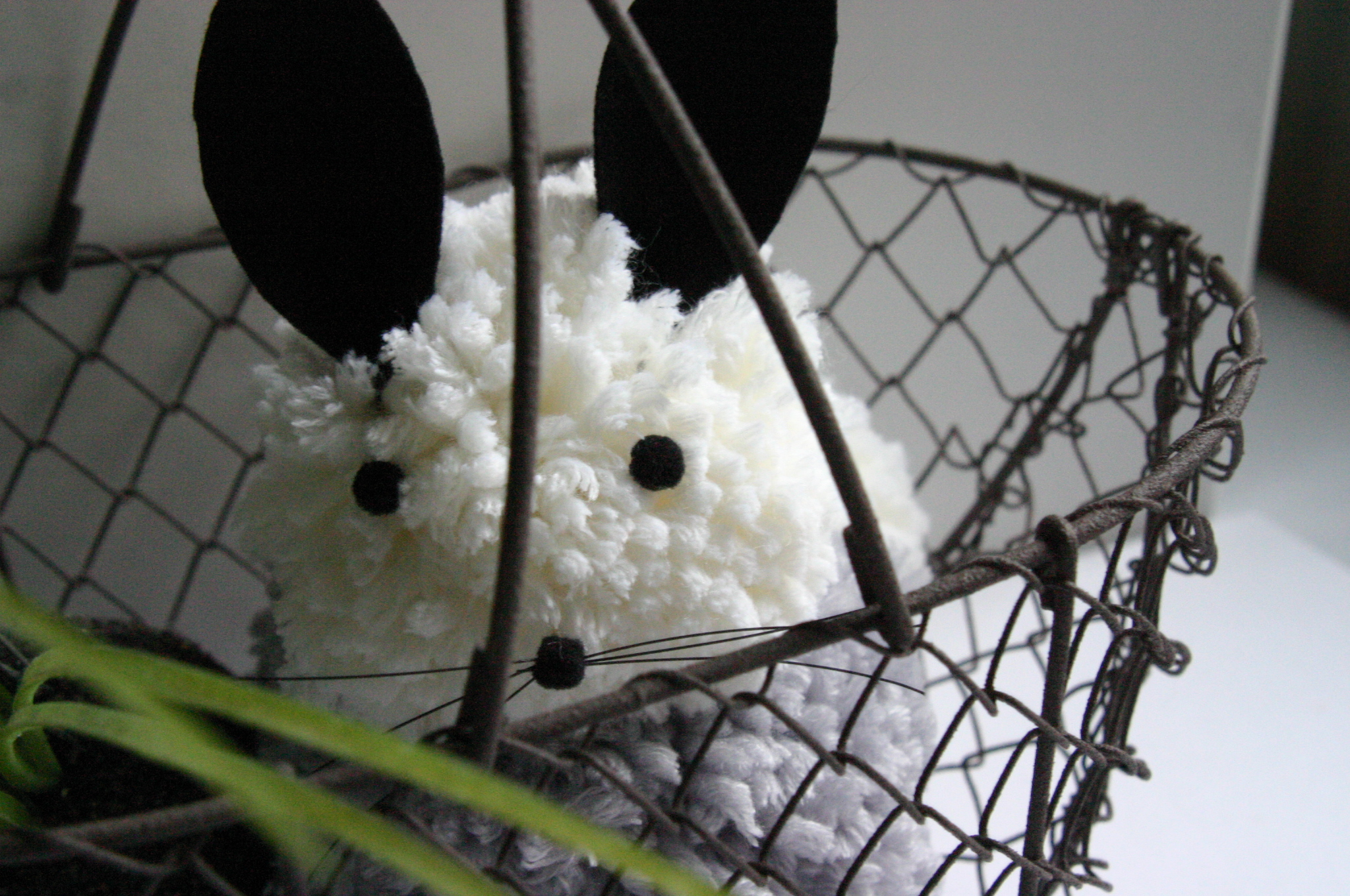 Osterhase aus Pompons